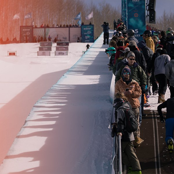 Maddie Mastro & Ayumu Hirano Qualify First in the Burton U·S·Open Halfpipe Semi-Finals